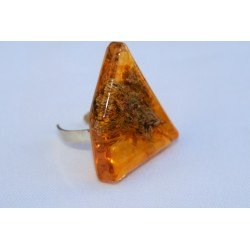 Amber Corallina Ring