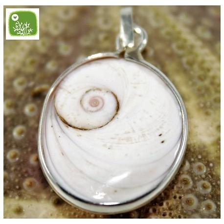 Luck pendant